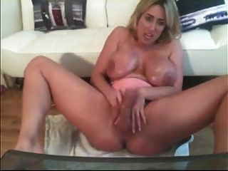 Vocal british Milf ist eine Webcam Schlampe