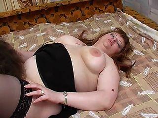 redhead plump stepmom mit haarigen pubis \u0026 guy