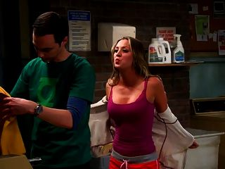 Kaley Cuoco Penny in Big Bang Theorie S7e11 Wäsche Nacht