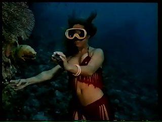 Vintage weiche Erotik (Unterwasser-Striptease)