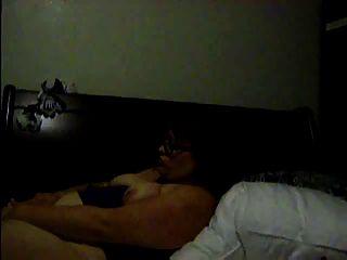 Chubby Mädchen masturbieren auf Webcam