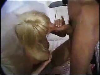 Glücksmann Pony Frau und ihre Freundin von Snahbrandy