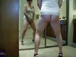 schönes gestohlenes Video von meiner heißen Mama masturbieren