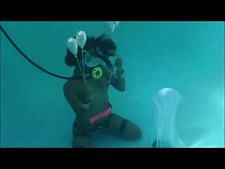 Unterwasser-Selbstknechtschaft