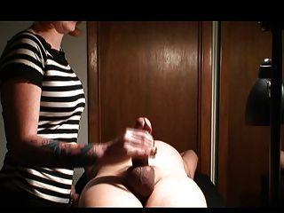 handjob femdom Mädchen
