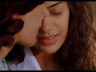 Frauen in der Liebe gestohlene Küsse