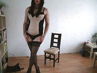 heiße tranny ejakulation in sexi dessous