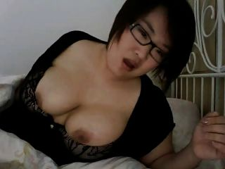 japonaise se masturbe auf webcam