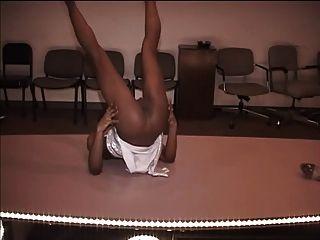 Hottie Stripper Schlampen tanzen für Bargeld