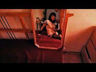 Tranny saugen Schwanz im Spiegel