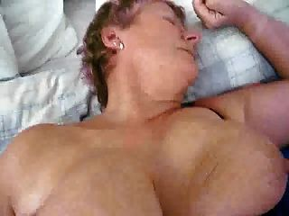 Niederländische reife Omas MILF mit großen Titten gefickt