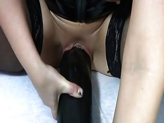 hotvivien fitness mit monsterdildo