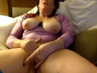 schüchternes milf reibt und finger pussy bis cum