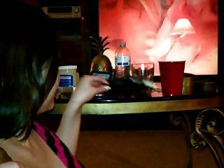 Rauchen Freundin gerne saugen und reiten einen schwarzen Schwanz