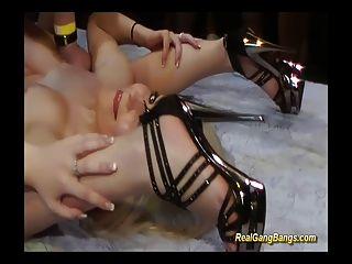 contortionist in echten kamasutra gangbang