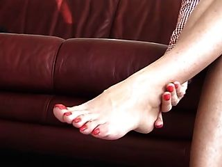 Frau mit wunderschönen Zehen