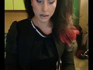 sexy tgirl neckt ihren Schwanz und Arsch auf Webcam