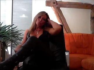 blonde leder domina wird, dass du ihr Sklave bist