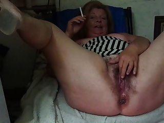 stepmommy zeigt mir ihre große vagina