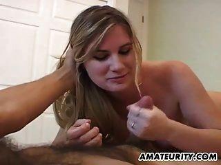 Busty Amateur Freundin Handjob mit Cumshot