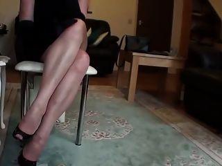 lange Beine in Strümpfen