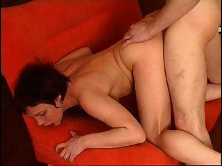 Russische reife Dame mit einem Jungen
