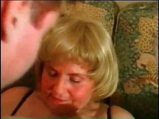 meine sexy piercings bbw reife Oma mit durchbohrten Pussy Ringe
