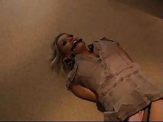 gefesseltes Mädchen auf dem Boden