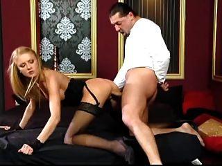 schöne blonde schwarze Strümpfe hardcore