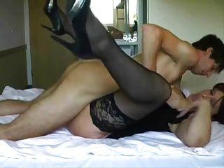 Big Tit reifen wird gefickt und von jüngeren Kerl gesichtet