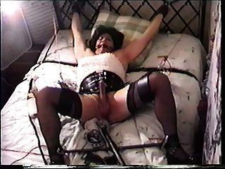 tg miss christi in Bondage und gefickt von anal Maschine