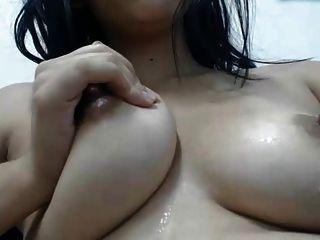 Milchmädchen laktierende Titten behandeln