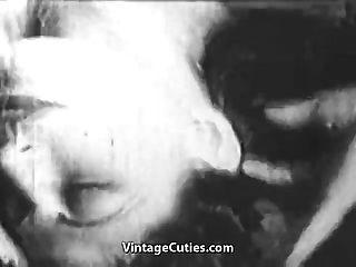 Schmutzige Mädchen wurden gefesselt und gefickt (1930er Jahrgang)