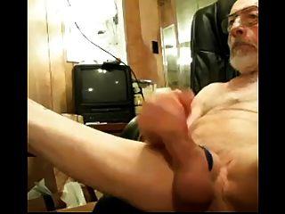 Großvater wichst seinen Schwanz und große Bälle auf cam älter reifen