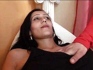 lesbisch barfuß und schwanger