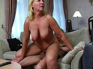 big ass und saggy tits, was brauchst du noch