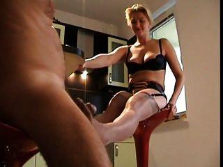 footjob mit der sexy Frau