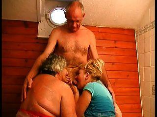 3some bj in der bad