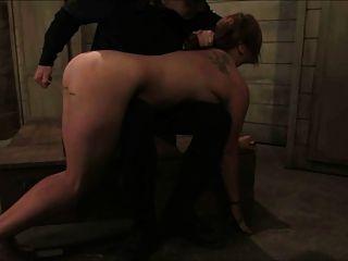 Milf Slave gebunden 1 von 2