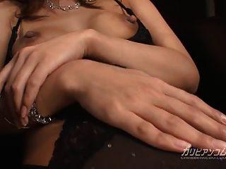 geile asiatische frau bekommt ihre nasse pussy knallte