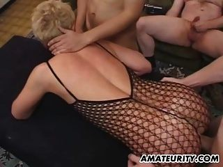 Amateur Freundin Anal Orgie mit Gesichtsbehandlungen