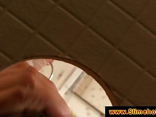 Sperma-Schutzmaske am Gloryhole