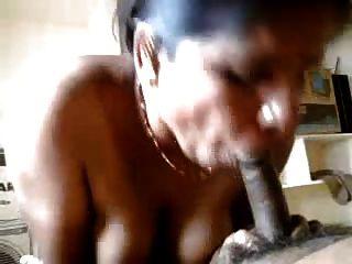sexy indian tante Hand und blowjob zu ihrem Partner