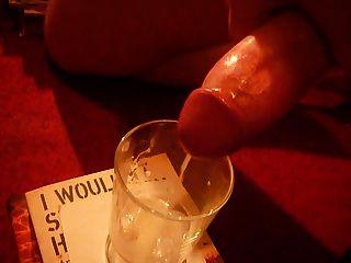 Sperma in einem Glas
