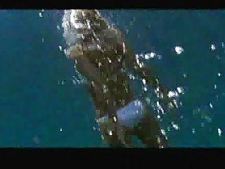 jessica alba schwimmen