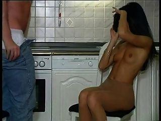 heißes Strumpfhund in der Küche