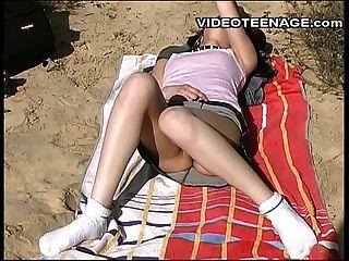 teen nackt am Strand part03