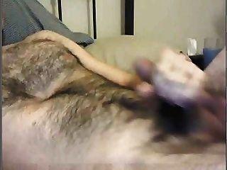 dieser Hunk muss sich rasieren