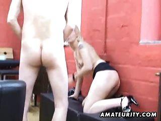 Amateur Teen Freundin saugen und ficken mit Sperma im Mund