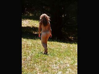 mein sexy Mädchen bewegt ihren schönen Arsch